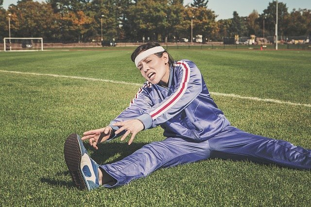 Dehnen Zerrung Muskelfasserriss